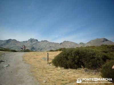 Laguna Grande de Gredos - Sierra de Gredos - Los Barrerones; puente octubre; club montaña madrid